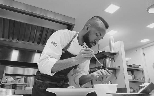 João Diamante criou o projeto social Diamantes na Cozinha