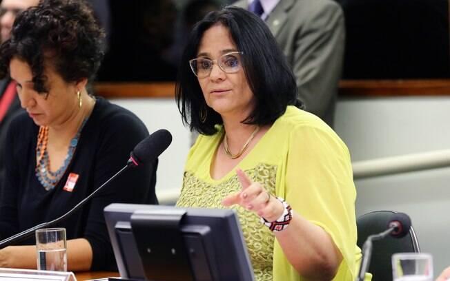 Damares Alves foi salva por deputados do PSL na Comissão de Direitos Humanos da Câmara
