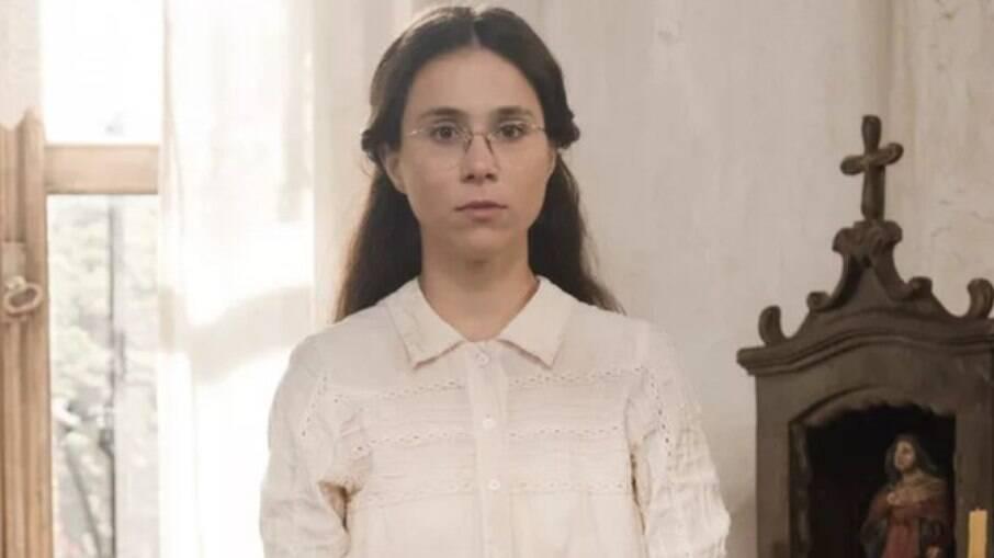 Seguindo as orientações de Tonico, Dolores inventa uma mentira para a irmã sobre Samuel