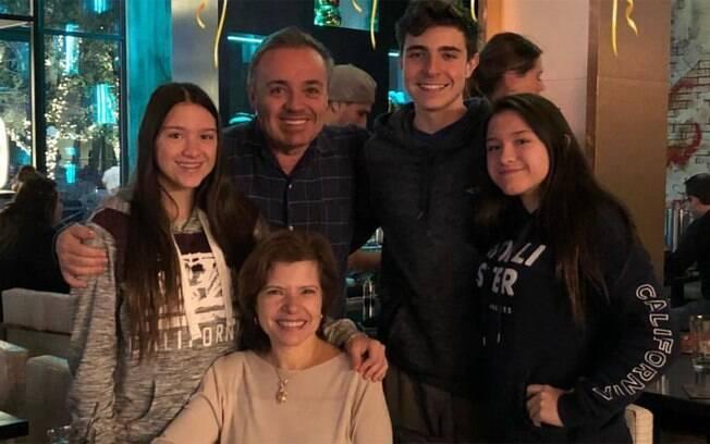 Rose Miriam, Gugu Liberato e os três filhos