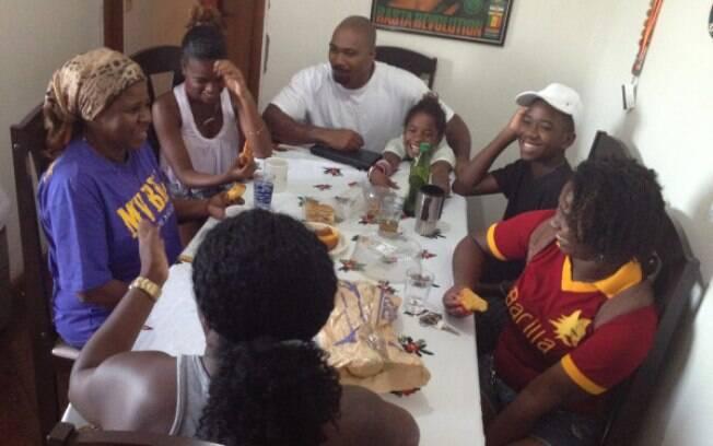 MV Bill nesta manhã: café com a família