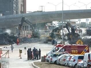 Demolição de viaduto na Pedro I deve ser finalizada nesta terça-feira (8)