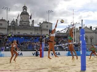 Vôlei de praia, vôlei e futebol são os esportes mais buscados pelos brasileiros