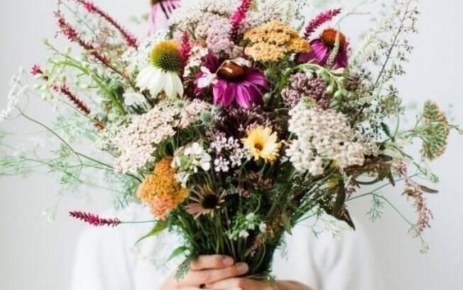 Nem sempre as flores convencionais são as mais em conta. Há possibilidades infinitas que se adaptam a seu gosto e bolso