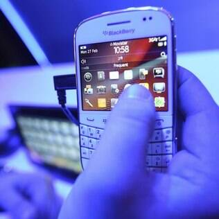 Usuários podem compartilhar status das redes sociais no BBM
