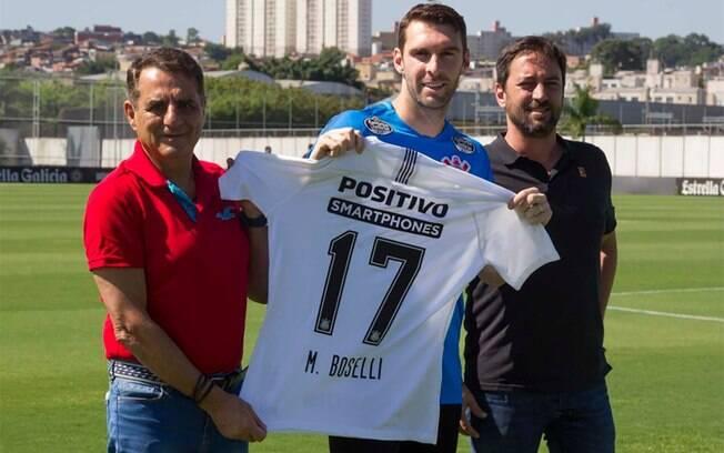 Médico do Corinthians é contra retorno do futebol