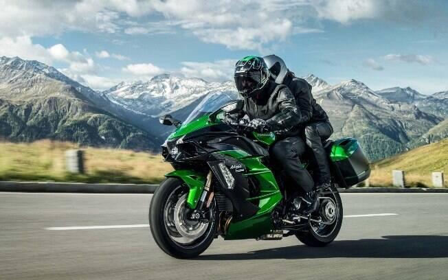 Kawasaki Ninja H2 SX SE: A versão mais confortável, voltada para as estradas, da moto mais veloz do mundo