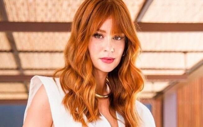 Marina Ruy Barbosa por muito tempo usou uma franja assimétrica que serviu de inspiração para vários cortes de cabelo