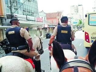 Reforço.  Oito policiais a cavalo apoiam o efetivo tradicional