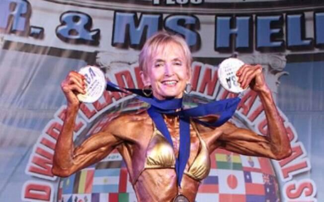 Janice gosta de esbanjar suas medalhas por onde passa. A fisiculturista afirma que precisa se esforçar para conquistá-las