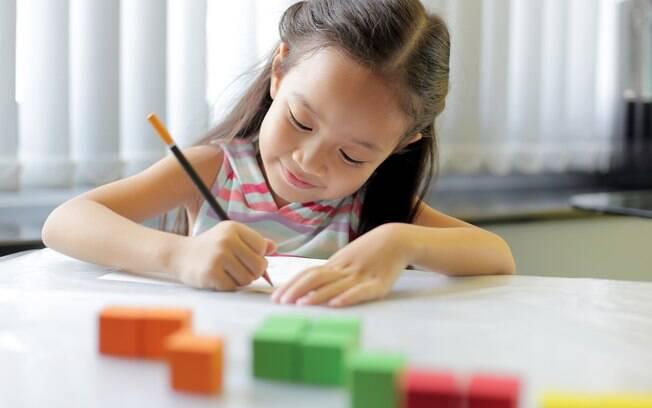 Estimular a criatividade nas crianças e não deixar essa capacidade se perder ao longo dos anos é essencial para que esse futuro adulto consiga lidar melhor com os desafios da vida, seja ela pessoa ou até mesmo profissional, ajudando a todos