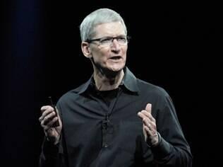 Tim Cook, CEO da Apple, pediu desculpas publicamente, após problemas como novo serviço de mapas da Apple