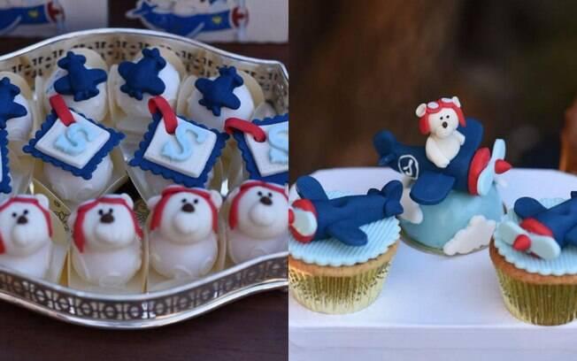 Docinhos que foram servidos no chá seguiam a paleta de cores para a decoração da festa: azul, vermelho e branco