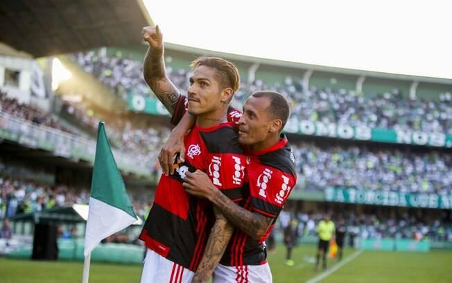 Torcida Flamengo  Flamengo deverá reformular o elenco para 2017. Confira  como anda o mercado da bola  a2011a3037b6e