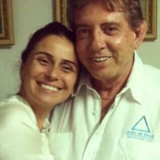 Giovanna Antonelli posou com João de Deus