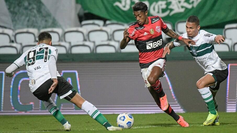 Coritiba foi derrotado em casa para o Flamengo