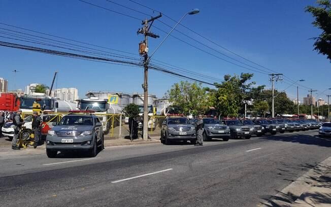 Centro de distribuição de combustível recebeu equipes do Choque para garantir a segurança