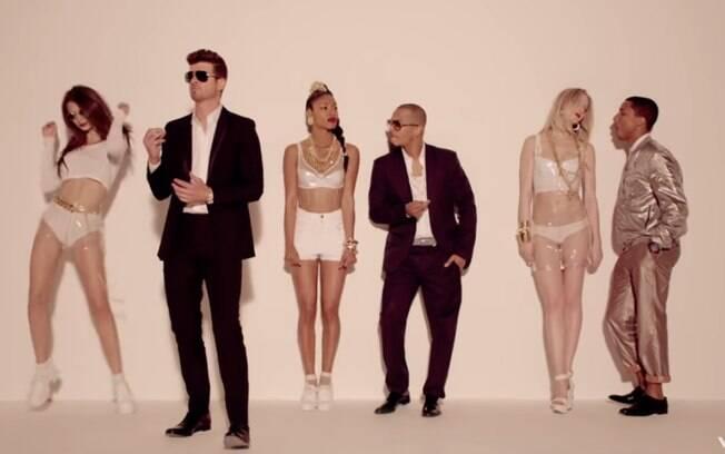 Cena do clipe Blurred Lines de Pharrell Williams e Robin Thicke. Música considerada plágio de Got to Give It Up, de Marvin Gay
