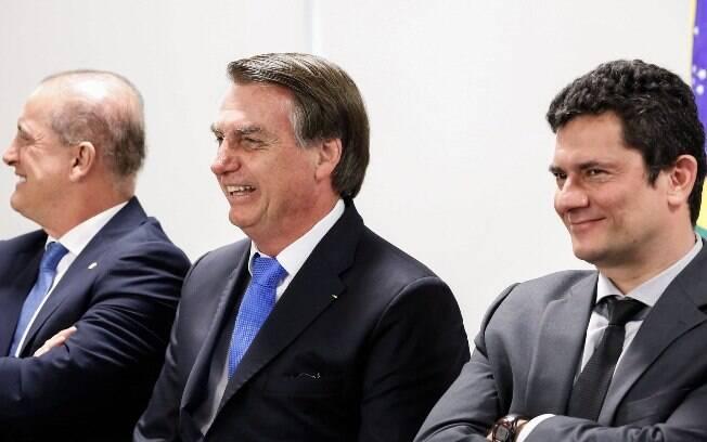 Os ministros Onyz Lorenzoni (Casa Civil) e Sergio Moro (Justiça) participam de reunião com o presidente Jair Bolsonaro