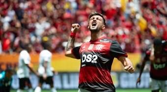 Rafinha e Arrascaeta vão jogar pelo Flamengo