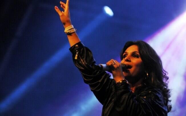 No auge, Aline Barros comemora sucesso: