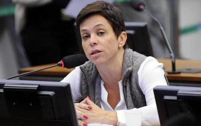 Filha de Roberto Jefferson, Cristiane Brasil tinha posse no Ministério do Trabalho marcada para esta terça-feira