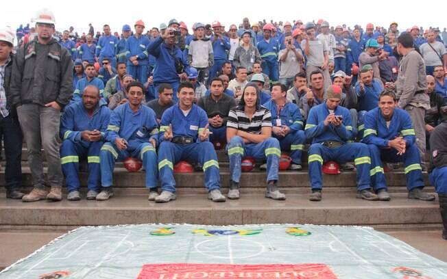 Cerca de 1.500 operários trabalham no atual  estágio das obras da Arena Corinthians