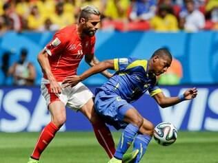 Imagem do jogo entre Suíça e Equador, em Brasília