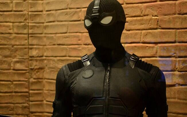Uniforme furtivo do Homem-Aranha está sendo exibido na CCXP 2018