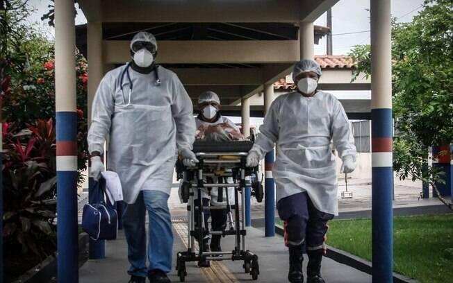Mortes em filas por UTI, falta de remédios e angústia: os relatos desesperados de médicos no interior do Pará