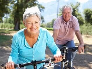 Atividade física regular deve ser mantida em todas as fases da vida adulta, inclusive na terceira idade
