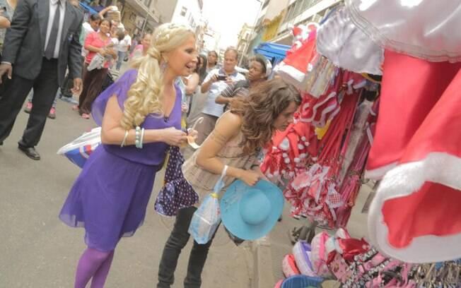 Brunete Fraccaroli tem R$ 80 para comprar três presentes em centro popular