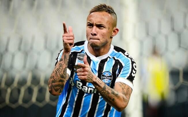 Everton Cebolinha está na mira dos portugueses