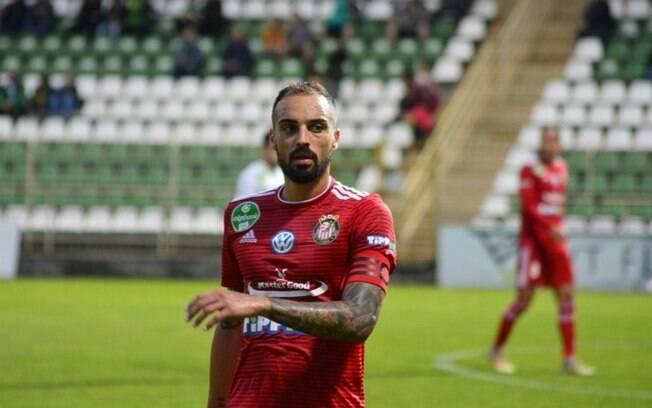 Lucas Marcolini foca em liderança do Kisvárda no Campeonato Húngaro