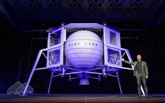 Jeff Bezos, CEO da Amazon, apresentou sua cápsula lunar nesta sexta-feira