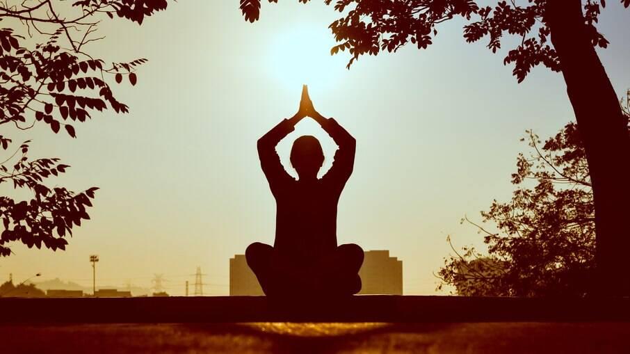Práticas milenares, como a meditação, recebem destaque no turismo de saúde