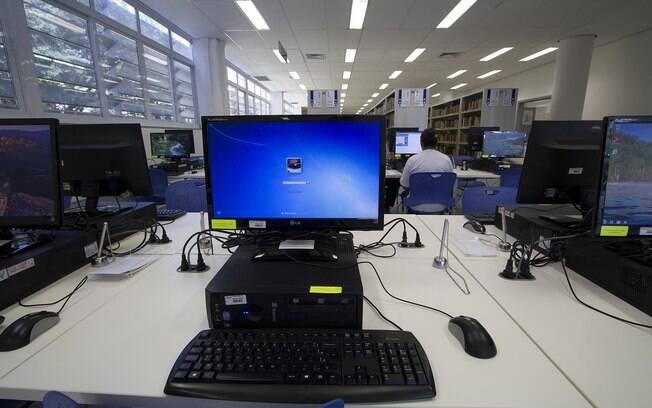 Computadores da Faculdade de Educação da USP