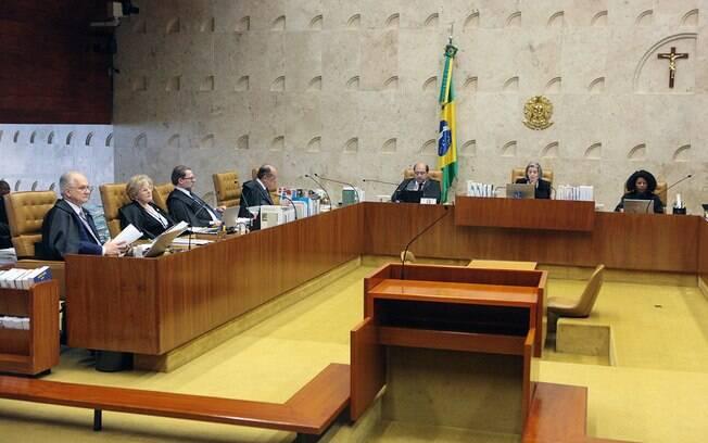 Plenário do Supremo Tribunal Federal durante julgamento sobre restrição ao foro privilegiado a políticos