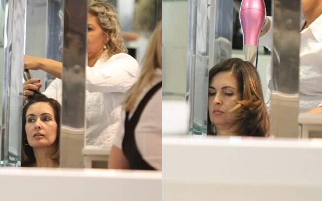 Fátima Bernardes renova visual em salão de beleza nesse domingo (29)