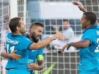 Zenit mantém caça à fase de grupo da Liga dos Campeões