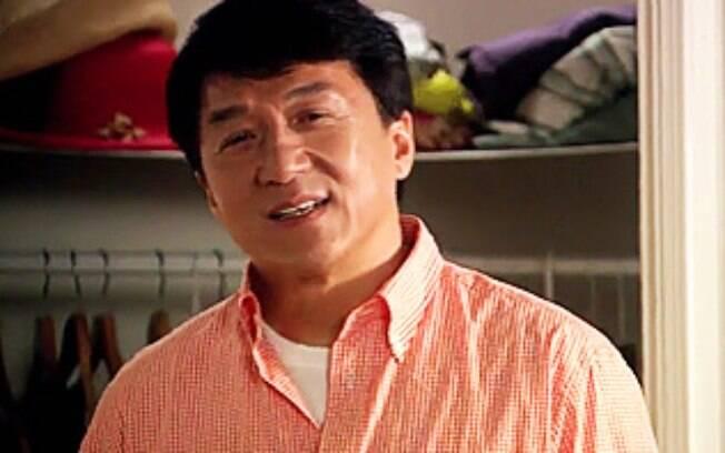Jackie Chan disse estar envergonhado com a prisão do filho