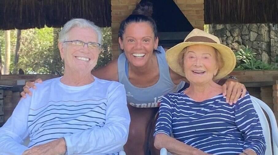 Mocita Fagundes com os sogros, Tarcísio Meira e Glória Menezes