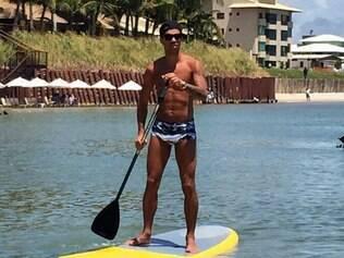 Diego Tardelli  está aproveitando as férias em um resort de luxo, no litoral sul de Pernambuco