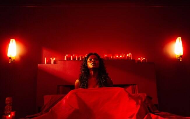 As dez melhores cenas de ''American Gods'': Bilquis engole suas vítimas pela vagina para manter seu poder como deusa