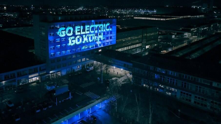 Fábrica da Ford em Colônia (Alemanha) passará por uma grande reforma para começar a fazer apenas carros elétricos