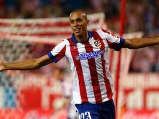 O zagueiro brasileiro Miranda foi autor do primeiro gol