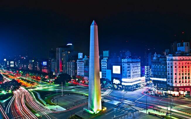 Obelisco está entre os pontos turístico de Buenos Aires mais visitados pelos turistas