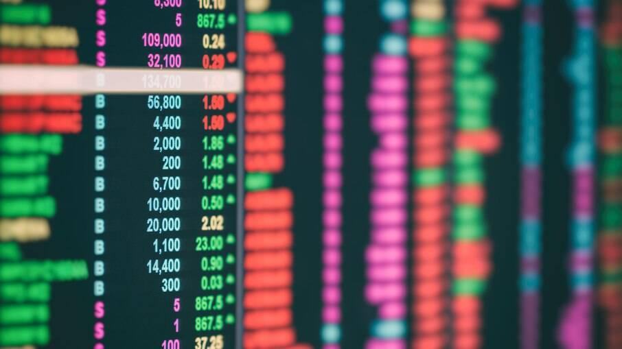 Bolsa de valores sobe 2,37% puxada por crescimento nas ações da Petrobras