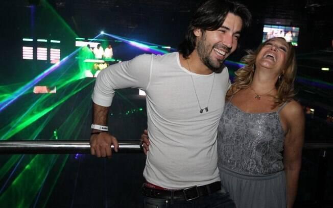 Susana Vieira e Sandro Pedroso se divertem na festa da DJ Sound Awards