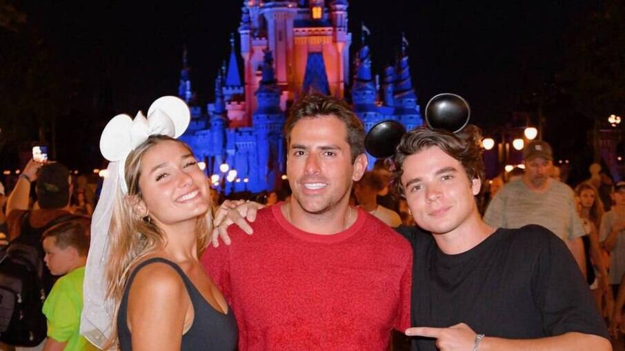 Sasha, João Figueiredo e Rodrigo Branco na Disney